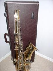 Yanagisawa Model B-9930 Silver Series Bari Sax===$1200usd